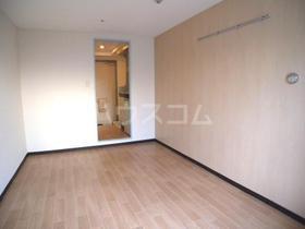 パンシオン南浦和No.1 302号室の玄関