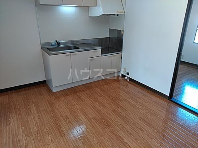 カーサ・アトリオ A棟 202号室のキッチン