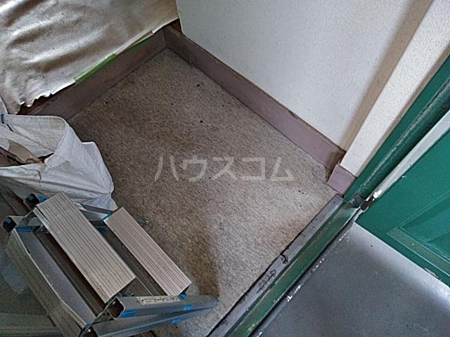 南コーポラス 202号室の玄関