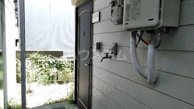 サンプラザ港南中央ⅡB棟 105号室の玄関