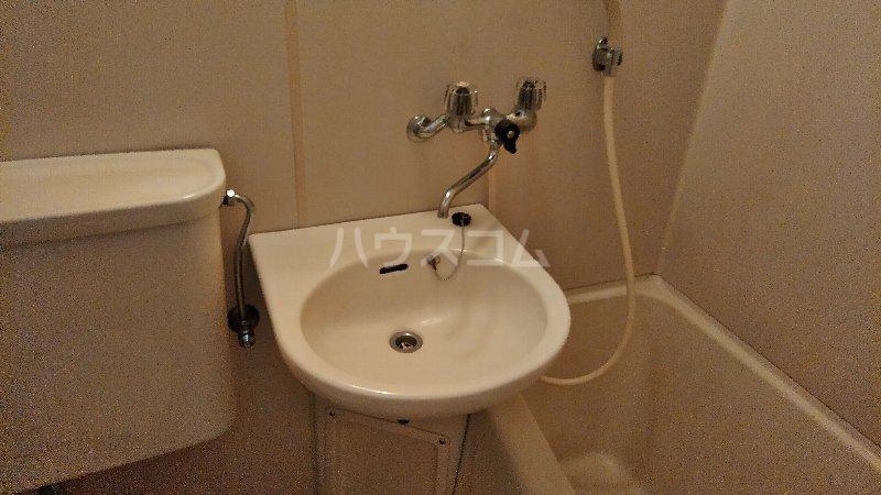 サンプラザ港南中央ⅡB棟 105号室の洗面所