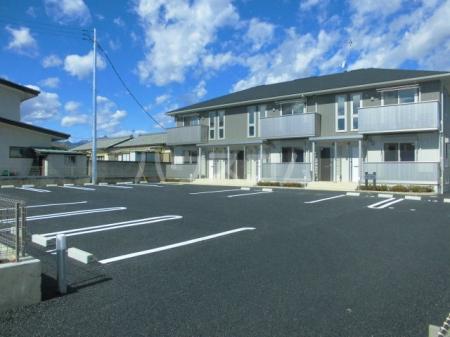 フェリーチェ C 203号室の駐車場