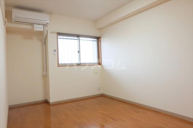 グランヒルズ 205号室の居室