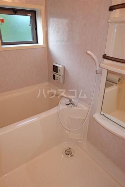シャトーファミリーハイツ F 202号室の風呂