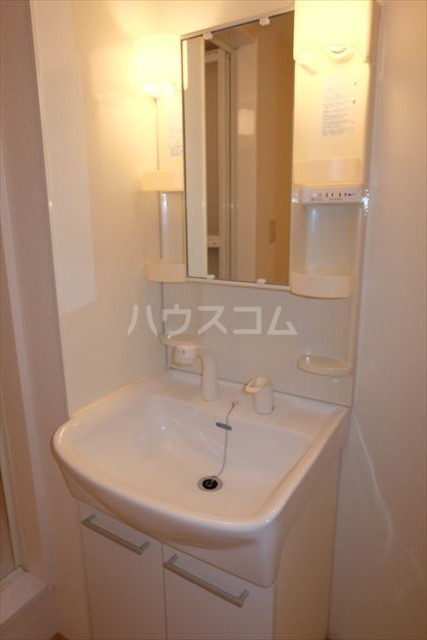 シャトーファミリーハイツ F 202号室の洗面所