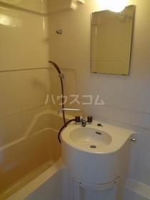 パオ瀬戸ヶ谷 101 101号室の洗面所