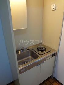 パオ瀬戸ヶ谷 101 101号室のキッチン