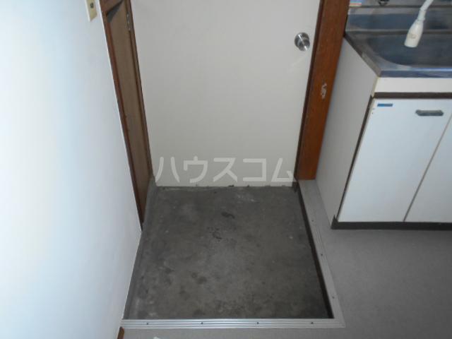 第2コーポユタカ 207号室の玄関