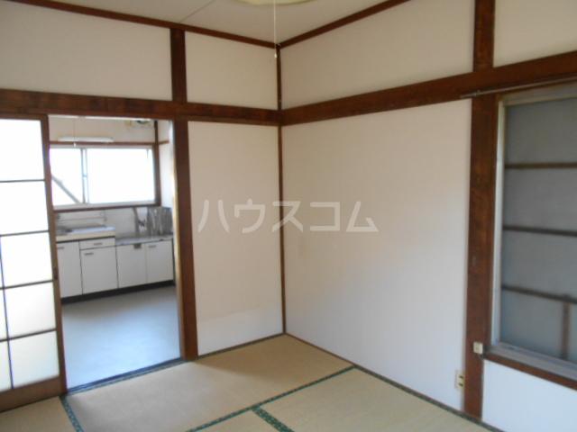 第2コーポユタカ 207号室のリビング