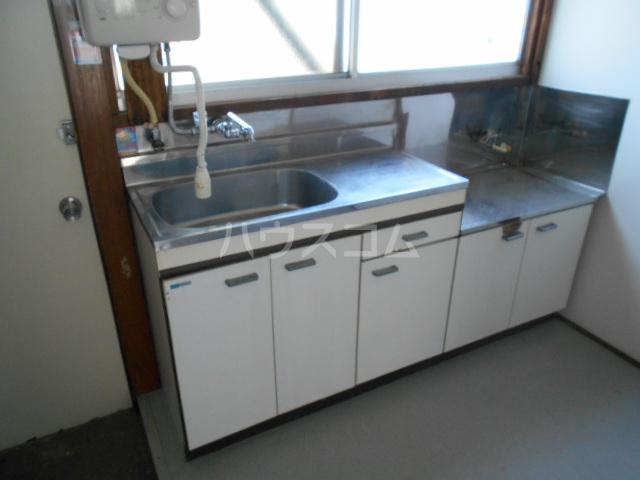 第2コーポユタカ 207号室の洗面所