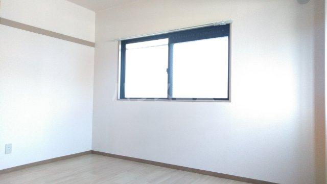 ハツミマンション B 105号室のリビング