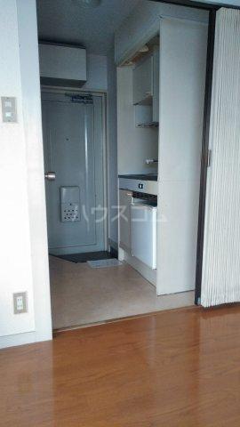 コーポ・リヨン 201号室の居室
