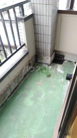 コーポ・リヨン 201号室のバルコニー