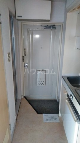 コーポ・リヨン 201号室の玄関