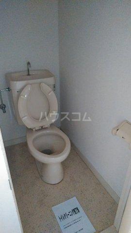 コーポ・リヨン 201号室のトイレ
