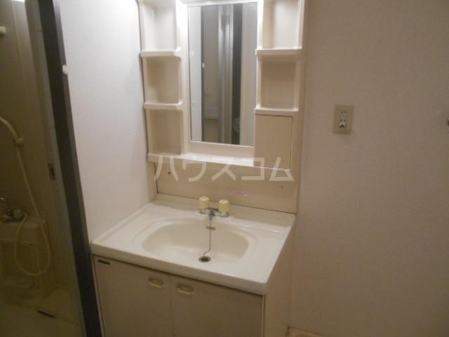 クレール上溝 105号室の洗面所