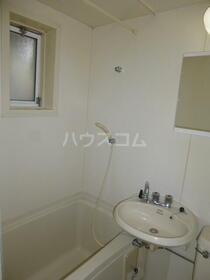 六友館 102号室の洗面所