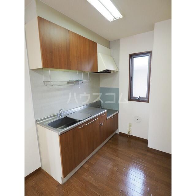 ラ・フランス D 102号室のキッチン