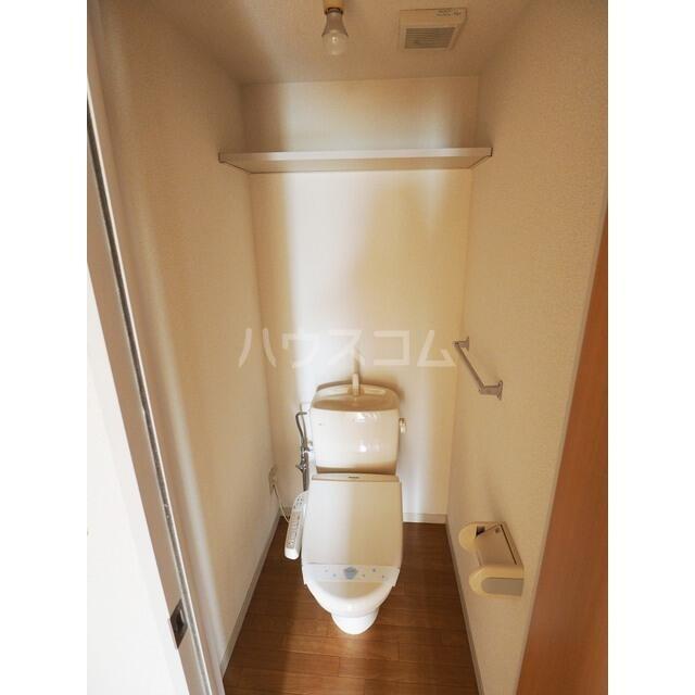 カルチェ C 201号室のトイレ