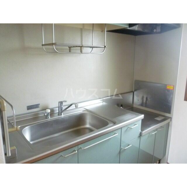 エレガンスクエア B 201号室のキッチン