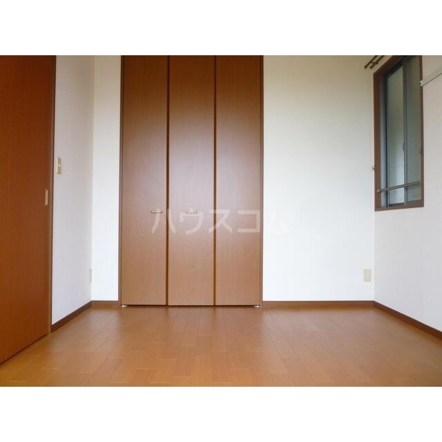 エレガンスクエア B 201号室のベッドルーム