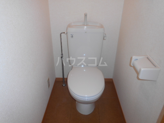 ポルトス元町 C 201号室のトイレ
