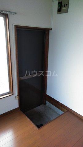 赤羽根荘 102号室の玄関