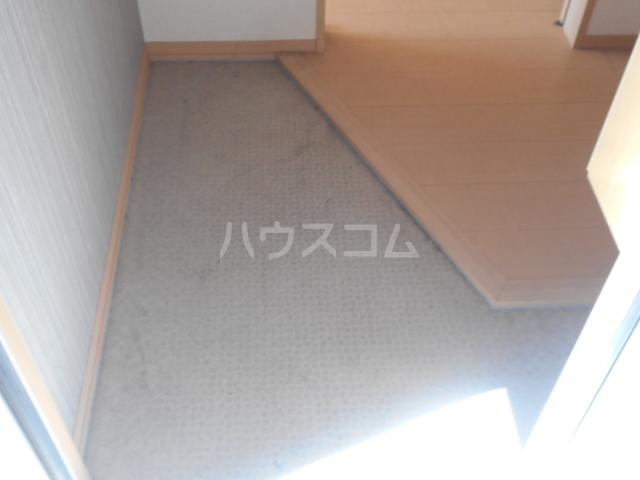 アーバンコート レガロ 202号室の玄関