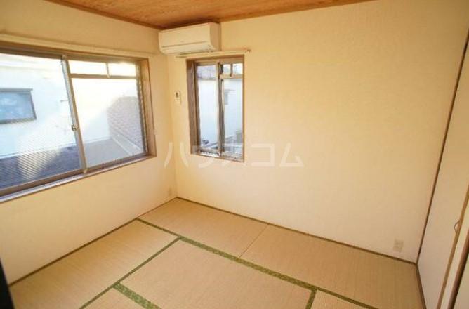 グリーンテラス田園調布 105号室の居室