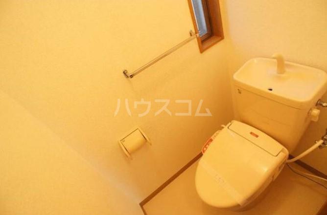 グリーンテラス田園調布 105号室のトイレ