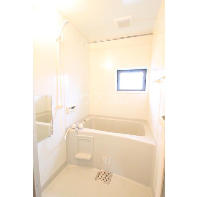 ラルジュール 101号室の風呂