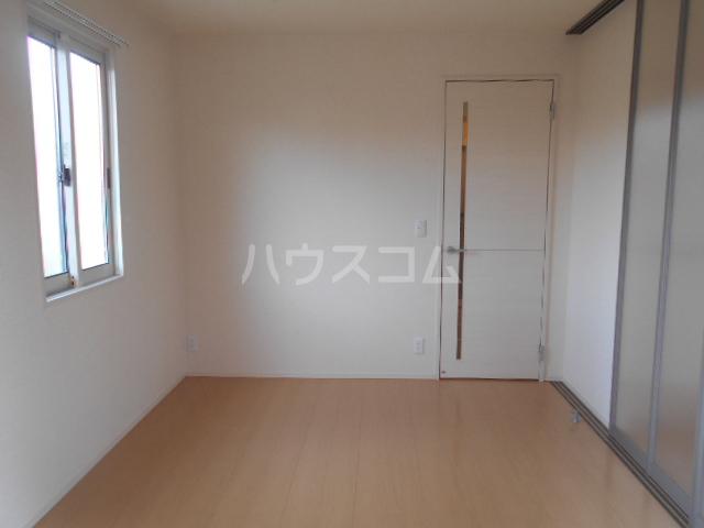 プリムローズ A 102号室の居室