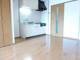 Y&M ASANUMA 201号室のリビング
