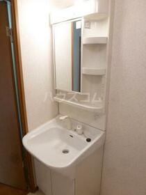 Y&M ASANUMA 201号室の洗面所