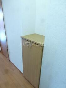 Y&M ASANUMA 201号室の玄関