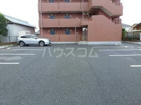 Y&M ASANUMA 201号室の駐車場