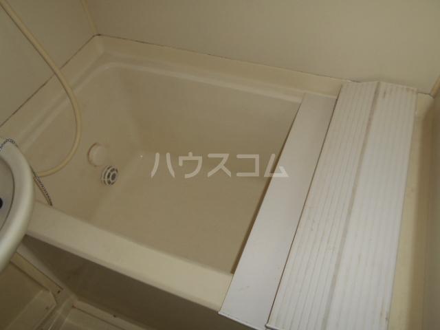 第二幸和ハイツ 0101号室の風呂