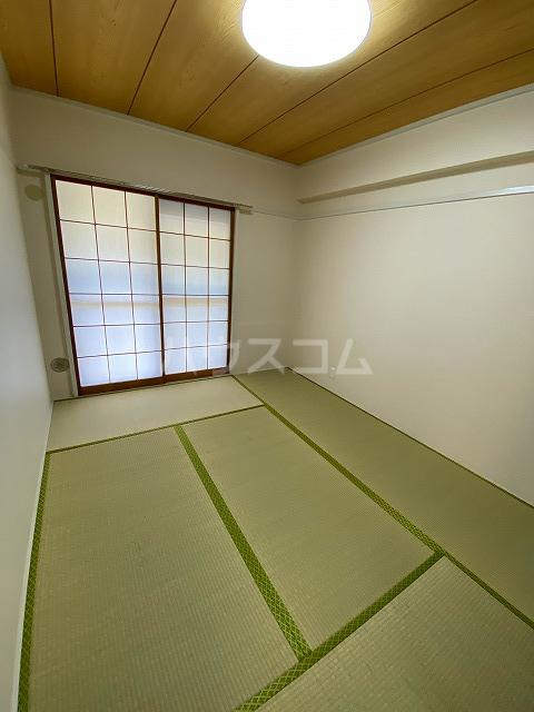 メゾン緑寿 B-101号室の居室