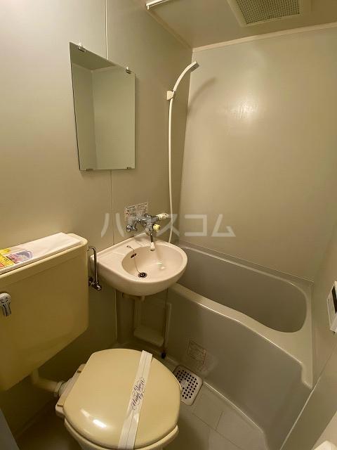 グローリアス 503号室の風呂