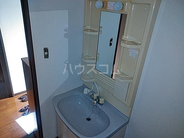 久里浜3丁目共同住宅 604号室の洗面所
