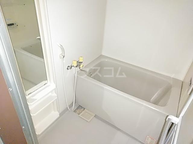 久里浜3丁目共同住宅 604号室の風呂