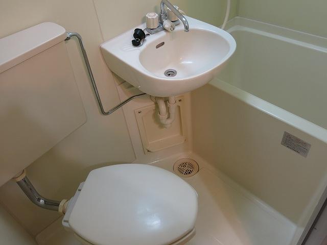 ホークメゾン瀬谷 203号室の風呂