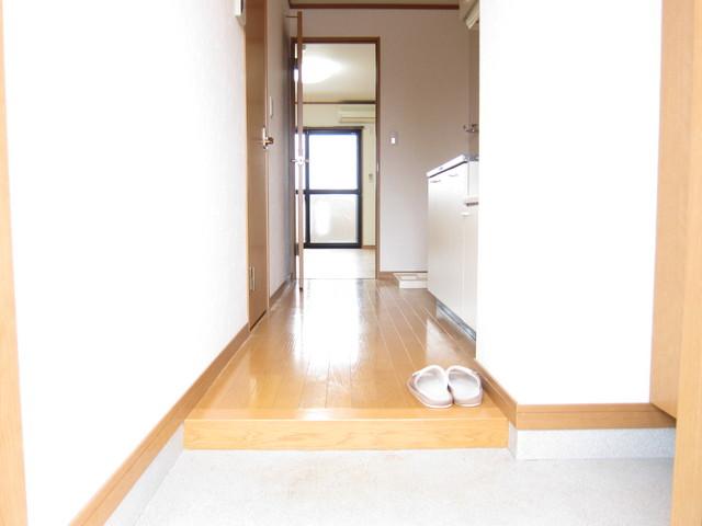 ポラリス 206号室の玄関