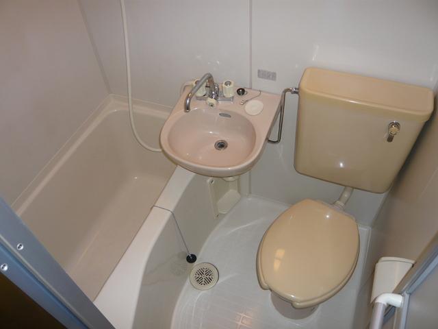 フラッツシバーズ 2-I号室の風呂