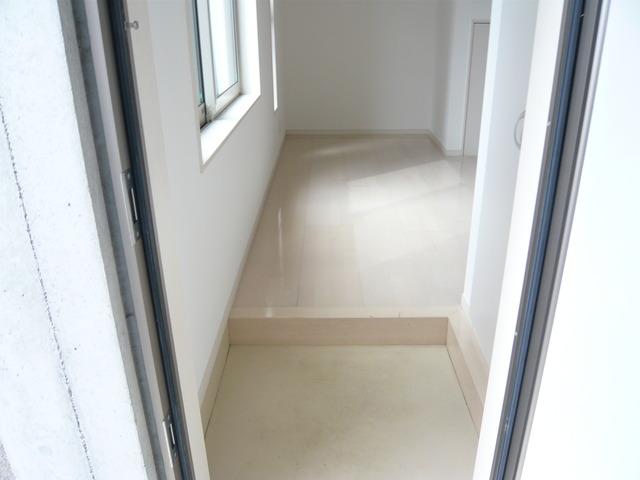 プレステージE Ⅱ TB1号室の玄関