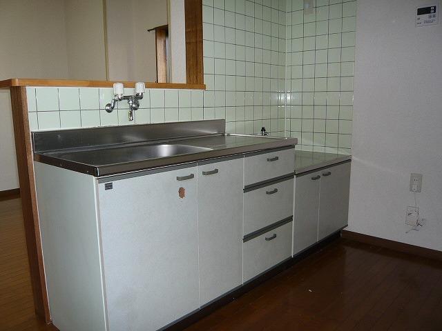 シャルマンコートE 201号室のキッチン