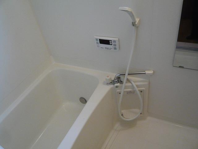 シャルマンコートE 201号室の風呂