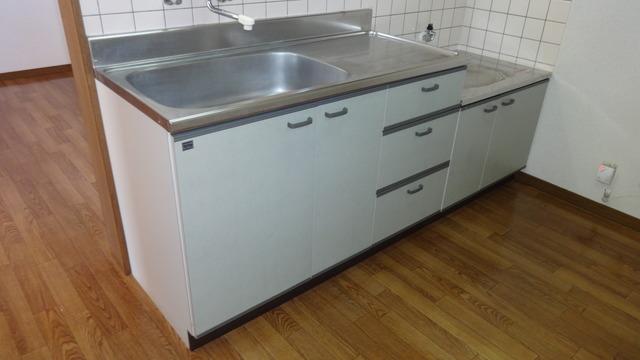シャルマンコートA 102号室のキッチン