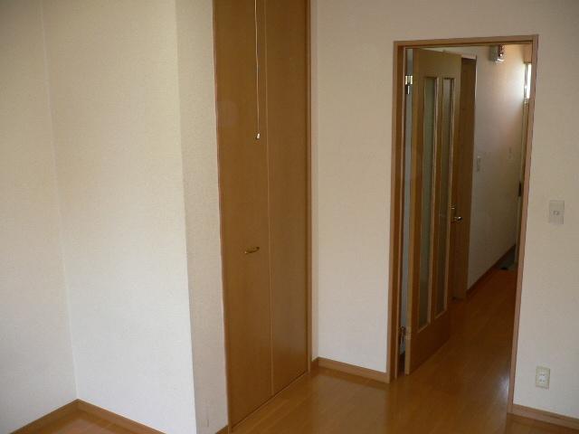 ネクストハイツ赤堀Ⅱ 107号室のリビング