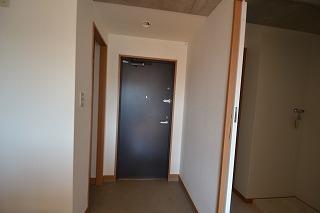 アイレックス 301号室の玄関